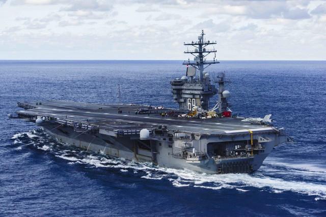 Cận cảnh những tàu sân bay cùng lớp với USS Carl Vinson sắp thăm Việt Nam - Ảnh 3.