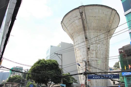 Nhìn lần cuối các thủy đài khủng sắp bị khai tử ở Sài Gòn - Ảnh 4.