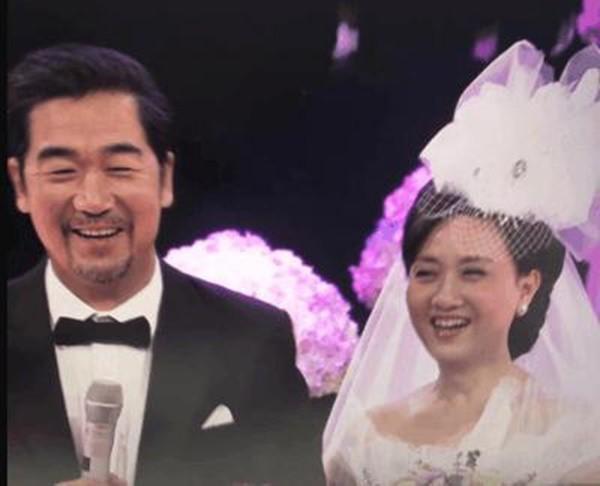 30 năm trước không đám cưới vì nghèo và tấm chân tình của vua Khang Hy dành cho vợ lúc về già - Ảnh 4.