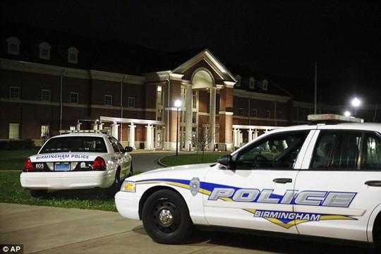 Mỹ: Khoe súng tại trường, 1 học sinh thiệt mạng - Ảnh 4.