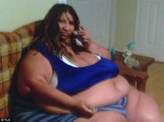 Nỗi đau của cô gái 290kg kiếm sống bằng cách ngồi ăn trước internet: Từng bị cha dượng xâm hại, chồng cũ bạo hành tàn ác - Ảnh 5.