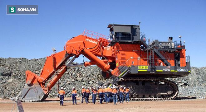 Hitachi Ex8000 - Cỗ máy khổng lồ, một gầu xúc đã ngang 6 xe tải 11 tấn - Ảnh 4.