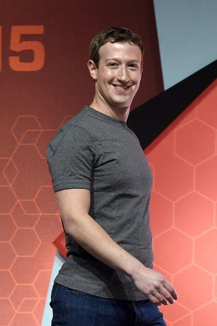Giải mã thông điệp đằng sau bộ vest của ông chủ Facebook trong phiên điều trần dài 5 giờ đồng hồ - Ảnh 2.