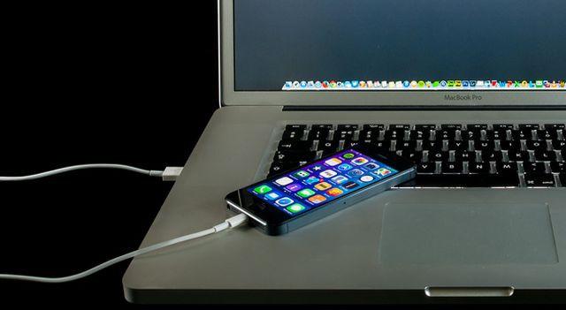 Sạc qua đêm, ứng dụng ngầm, phân biệt thật giả: Tư vấn từ sếp kỹ thuật Apple của FPT Shop - Ảnh 4.