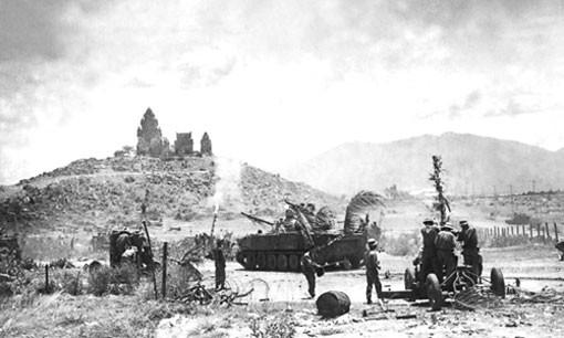Trở tay không kịp, trung tướng bị bắt sống: Những giờ cuối của BTL tiền phương QĐ 3 VNCH - Ảnh 1.