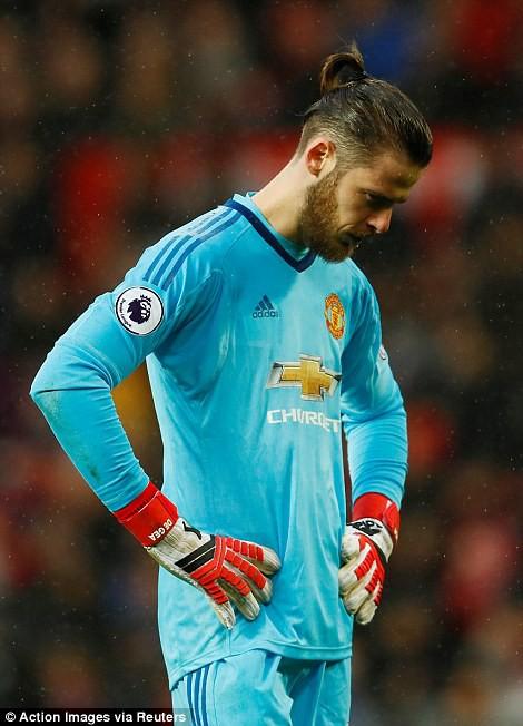 Copy công thức chiến thắng không thành, Man United sụp hầm trước đội bét bảng - Ảnh 22.