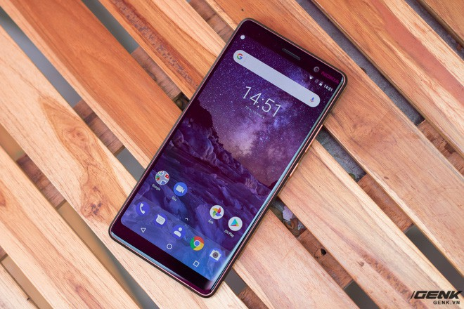 Trên tay Nokia 7 Plus tại VN: Snapdragon 660, Android One mượt mà, camera kép Zeiss, giá khoảng 9-10 triệu đồng - Ảnh 1.