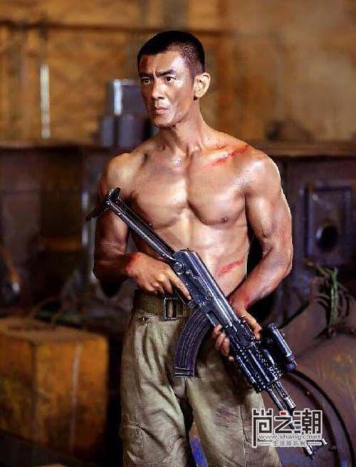 Nhậm Thiên Dã: Chiến binh thiện nghệ, ông hoàng dòng phim quân sự truyền hình Trung Quốc - Ảnh 1.