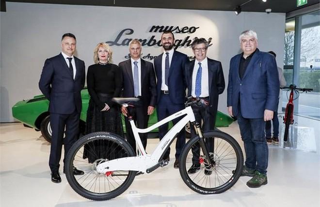 Lamborghini giờ đây tham gia cả vào thị trường xe đạp điện với hai mẫu xe phong cách - Ảnh 1.