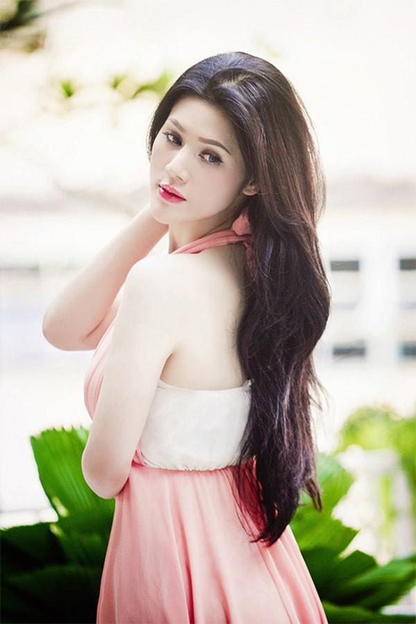 Cận cảnh gương mặt mới của Maria Đinh Phương Ánh: Ngỡ ngàng vì giống hệt búp bê - Ảnh 2.