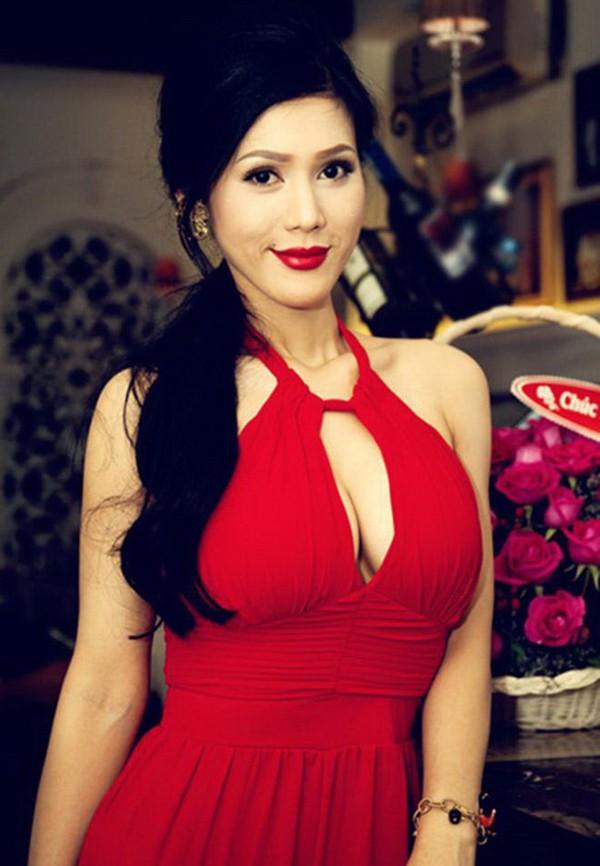 Cận cảnh gương mặt mới của Maria Đinh Phương Ánh: Ngỡ ngàng vì giống hệt búp bê - Ảnh 3.