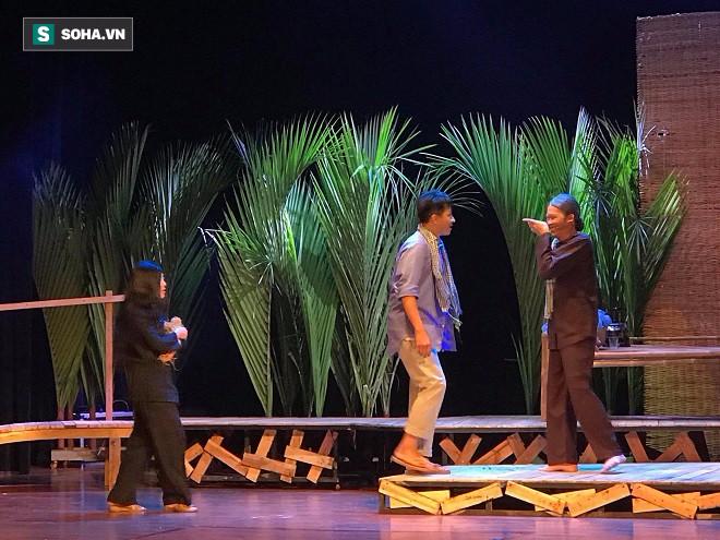 Đạo diễn Huỳnh Tấn Phát bức xúc vì khán giả ý thức kém khi đi xem kịch - Ảnh 5.
