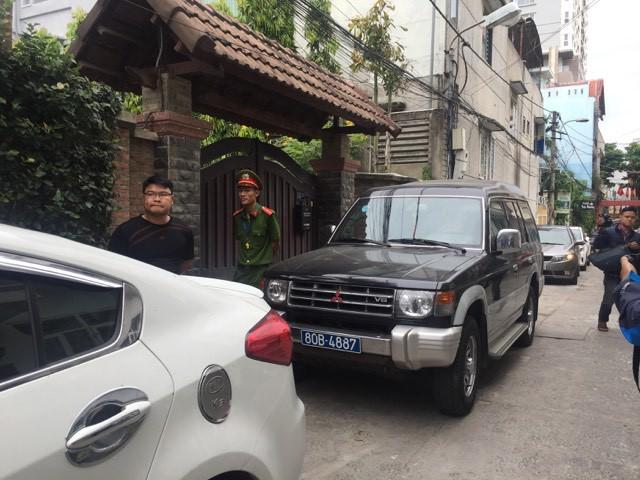 Công an khám xét nhà cựu Chủ tịch Đà Nẵng Trần Văn Minh trong 5 giờ - Ảnh 6.