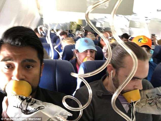 Chuyên gia an toàn bay ở Mỹ: Làm gì khi máy bay giảm áp đột ngột, ngồi đâu thì an toàn? - Ảnh 4.