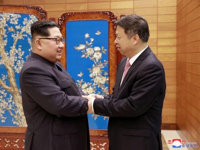 Treo ảnh chân dung ông Tập Cận Bình, Triều Tiên muốn được Trung Quốc chống lưng? - Ảnh 5.
