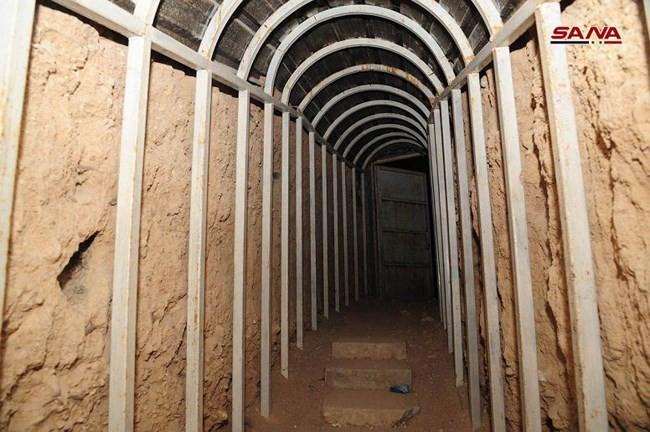 Kinh hoàng nhà tù khiến 5.000 người mất mạng của phe thánh chiến ở tử địa Douma, Syria - Ảnh 2.