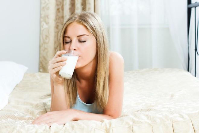 Đang đau dạ dày tuyệt đối cần tránh mắc phải 4 sai lầm này kẻo gây nguy hại cho sức khỏe - Ảnh 2.