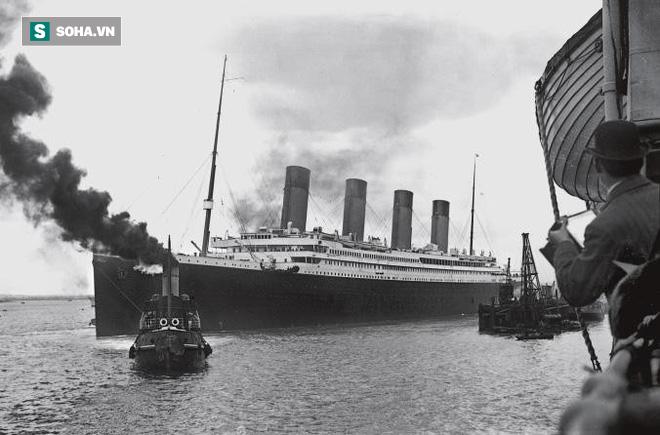 Lặn sâu 4.000m xuống đáy biển, khám phá thế giới chưa từng kể của tàu Titanic huyền thoại - Ảnh 1.