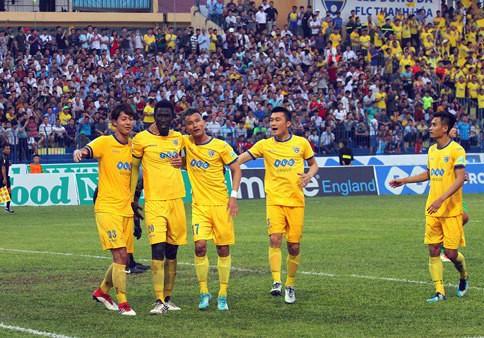 Nội bộ FLC Thanh Hoá rối ren sau trận hoà 1-1 với XSKT Cần Thơ - Ảnh 1.