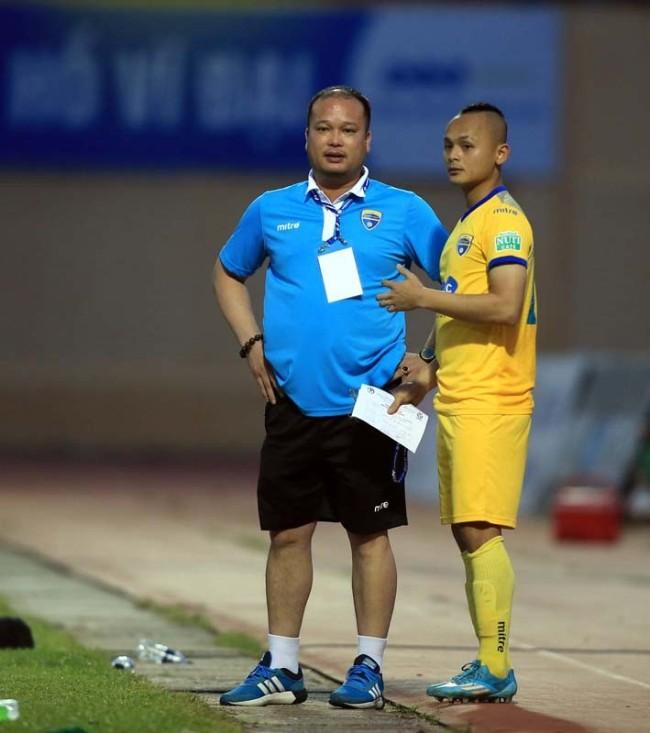 Nội bộ FLC Thanh Hoá rối ren sau trận hoà 1-1 với XSKT Cần Thơ - Ảnh 2.