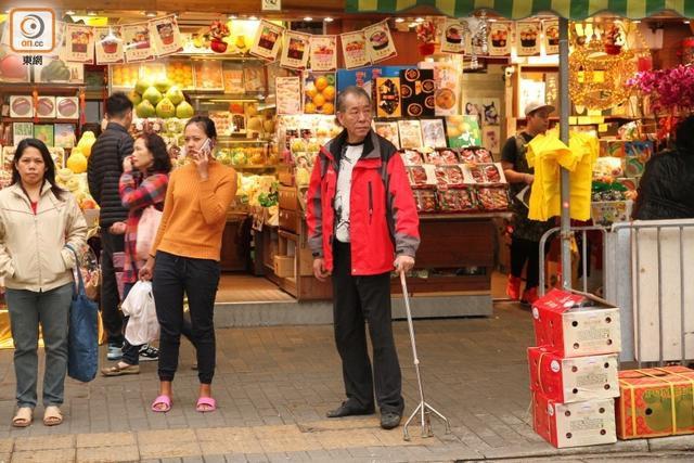 Cuộc sống cơ cực ở tuổi 64 của ác nhân màn ảnh Hong Kong - Ảnh 7.