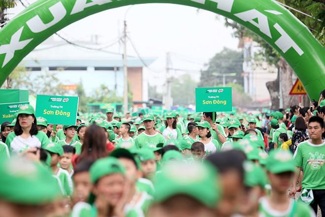 Vì thế hệ Việt Nam năng động, hơn 20.000 người phủ kín đường - Ảnh 1.