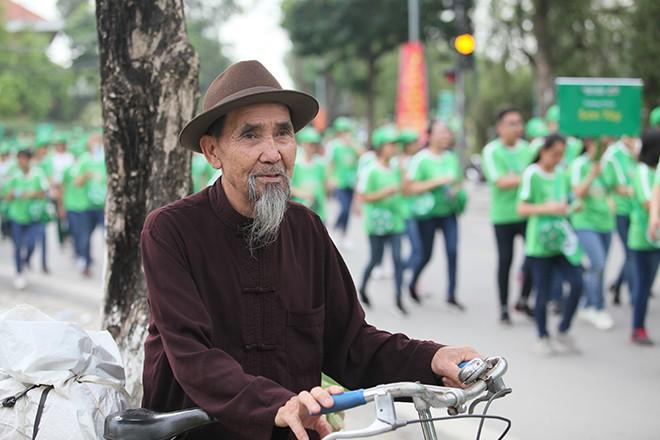 Vì thế hệ Việt Nam năng động, hơn 20.000 người phủ kín đường - Ảnh 6.