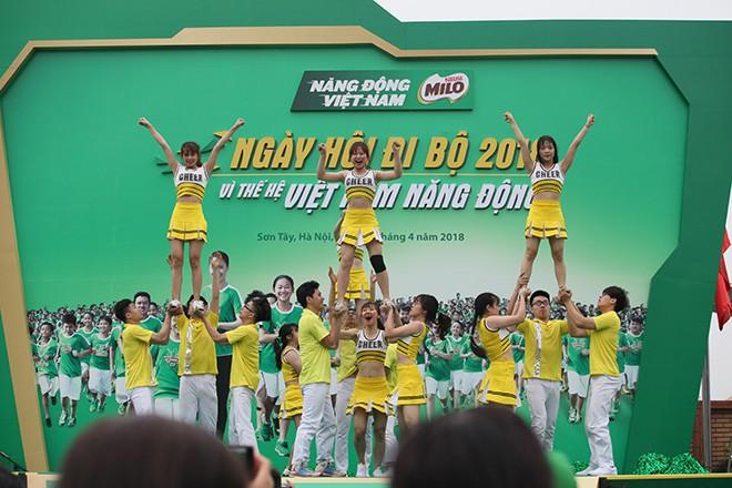 Vì thế hệ Việt Nam năng động, hơn 20.000 người phủ kín đường - Ảnh 3.