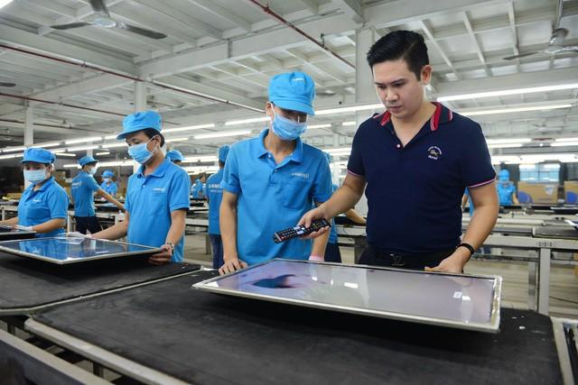 Người Việt làm việc thua Lào và lời khuyến nghị của CEO May 10: Xin tuyên truyền để người lao động Việt hiểu rằng, cái gì của họ cũng tốt, trừ ý thức - Ảnh 1.