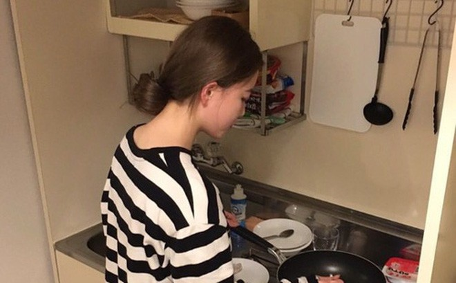 Cứ tưởng gái vụng mới bị chê, ai ngờ vẫn có cô gái bị người yêu đá vì quá chăm nấu nướng, lười đi nhà hàng - Ảnh 1.