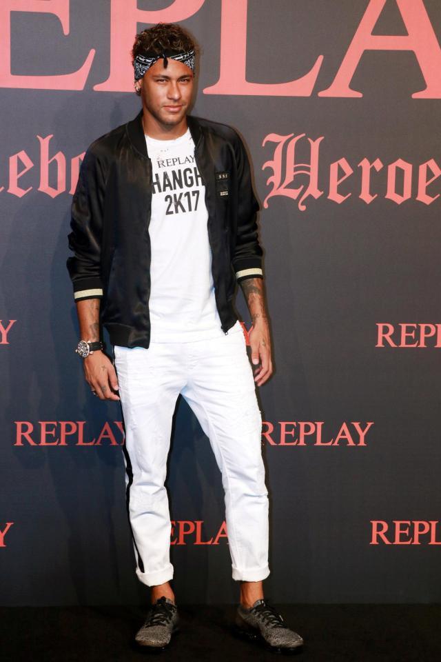 Beckham và 8 ngôi sao không đá bóng cũng trở thành biểu tượng thời trang, ăn mặc phong cách nhất - Ảnh 11.