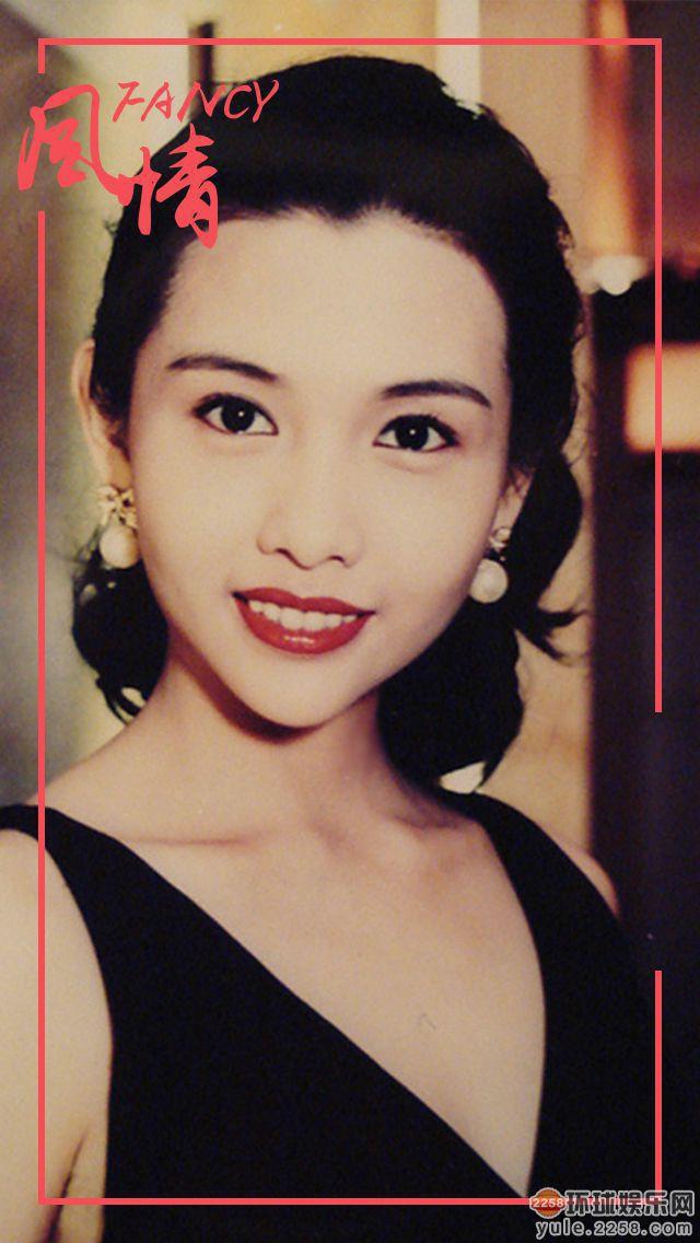 Còn nhỏ tuổi nhưng 3 cô con gái của những nữ thần phim 18+ một thời này đã trổ mã xinh đẹp không kém mẹ - Ảnh 18.