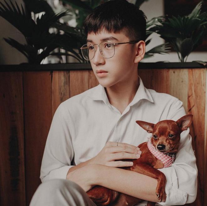 Hot boy mới của Nghệ An sinh năm 2001 đang khiến dân tình lùng sục: Cao 1m72, mặt baby hết ý! - Ảnh 9.