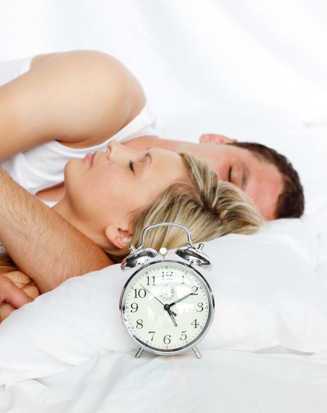 11 lời khuyên giúp bạn có được giấc ngủ ngon, sâu giấc và dễ dàng hơn - Ảnh 2.