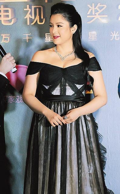 Chuyện đời Hoa hậu Trung Quốc 2 lần lộ ảnh nóng: Bị TVB hắt hủi vì quá béo, nay tìm được chân ái bên chồng đại gia - Ảnh 8.