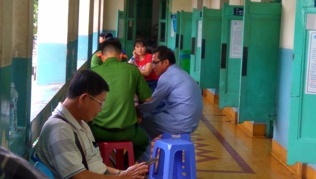 Vụ 2 nhóm dùng súng bắn nhau ở Đồng Nai: Một người có nguy cơ bị mù - Ảnh 1.