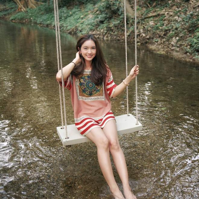 Loạt ảnh bắt trọn thần thái đỉnh cao và nụ cười toả nắng của nàng thơ Thái Lan - Ảnh 4.