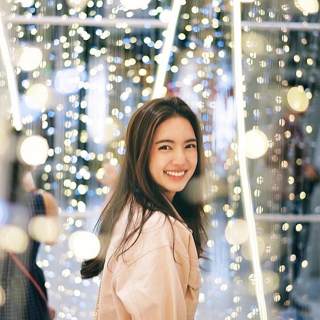 Loạt ảnh bắt trọn thần thái đỉnh cao và nụ cười toả nắng của nàng thơ Thái Lan - Ảnh 5.