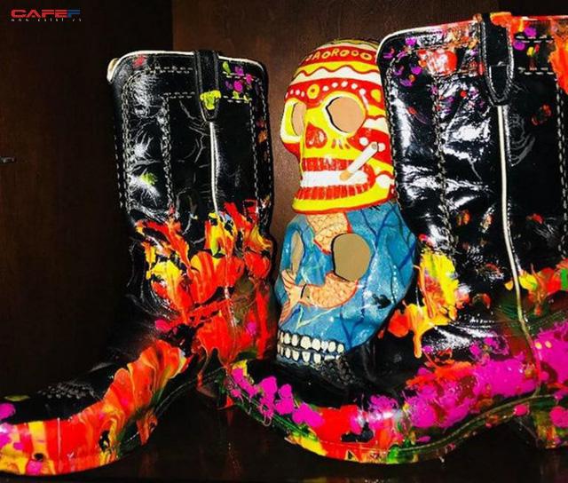 Đôi giày cao bồi đắt nhất thế giới giá 6 triệu USD có gì đặc biệt?  - Ảnh 2.