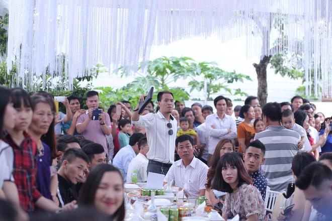 Hữu Công tiết lộ chi 2 tỷ cho đám cưới khủng, rộng 700m2, mời 1000 khách cùng sao hạng A về làng - Ảnh 22.