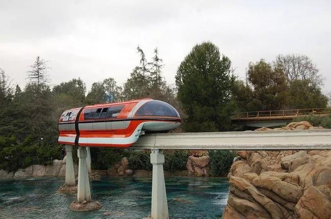 Bí mật đáng sợ về công viên giải trí Disneyland không phải ai cũng biết - Ảnh 7.