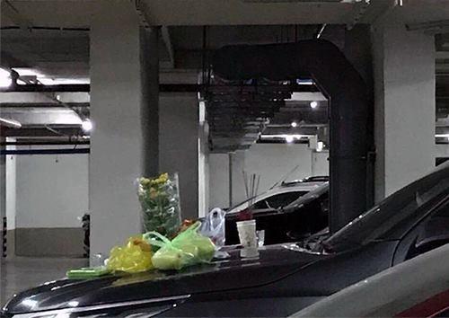 Vàng mã cháy rực cầu thang, cúng xe trong chung cư gây phẫn nộ - Ảnh 2.