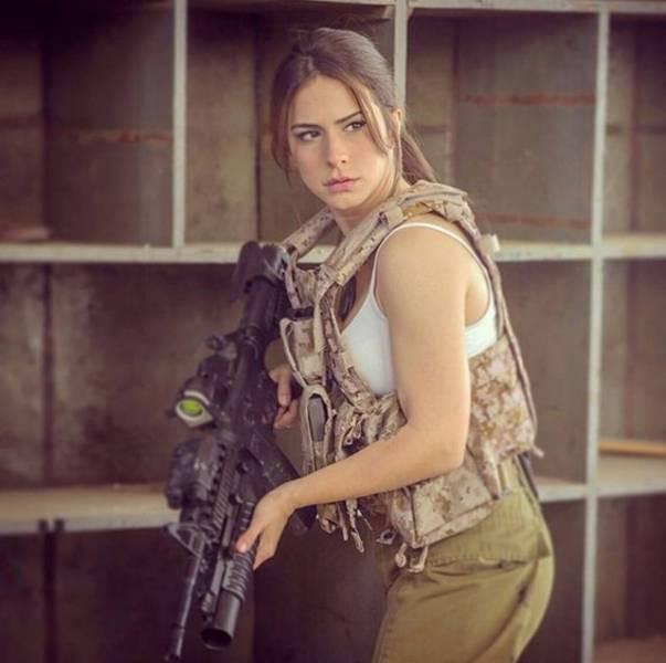 Vũ khí đáng gờm nhất của quân đội Israel - Những quả bom cực nóng - Ảnh 7.
