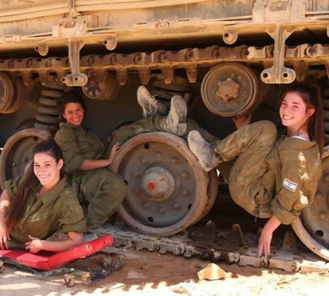Vũ khí đáng gờm nhất của quân đội Israel - Những quả bom cực nóng - Ảnh 13.