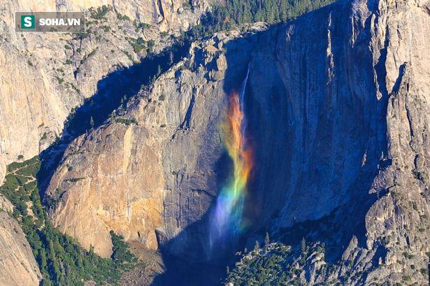 Chiêm ngưỡng dải cầu vồng tuyệt đẹp, dài hơn 400m ở California, Mỹ - Ảnh 1.