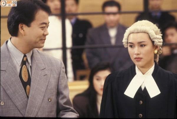 Âu Dương Chấn Hoa: Dù ai nói ngược nói xuôi, anh vẫn là 'ông vua' của màn ảnh nhỏ TVB - Ảnh 2.