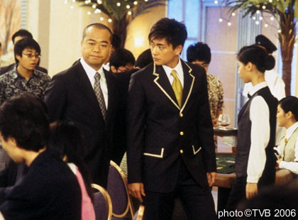 Âu Dương Chấn Hoa: Dù ai nói ngược nói xuôi, anh vẫn là 'ông vua' của màn ảnh nhỏ TVB - Ảnh 14.