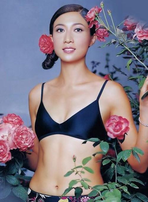 Hoa hậu châu Á và cuộc sống đau đớn vì Thành Long bỏ rơi, con gái nổi loạn - Ảnh 2.