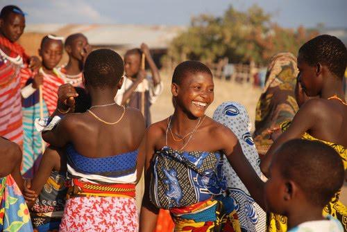 5 bộ lạc nhiều mỹ nữ, phong cách ngời ngời lại khéo chiều đàn ông ở Kenya - Ảnh 4.