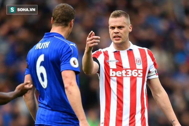 Đốt tiền trong ảo tưởng, mãnh thú Premier League đã xuống hạng thế nào? - Ảnh 1.